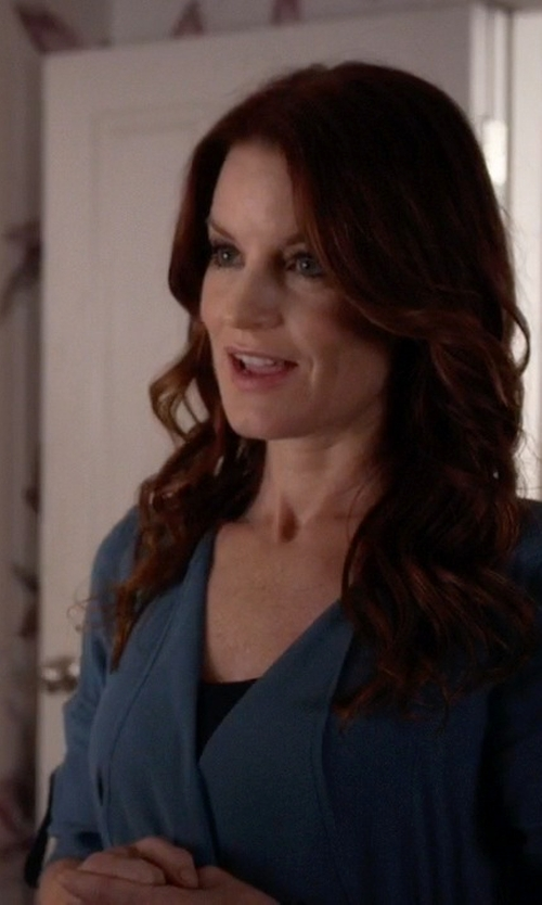 Laura Leighton with Alfani Faux-Suede Draped Cardigan in Pretty Little Liars