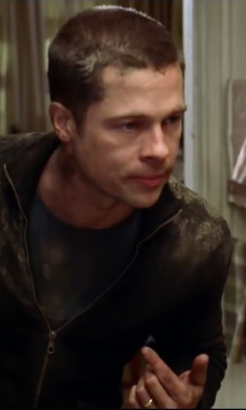 Brad Pitt with Jewelplus Comfort Fit Wedding Band in Mr. & Mrs. Smith