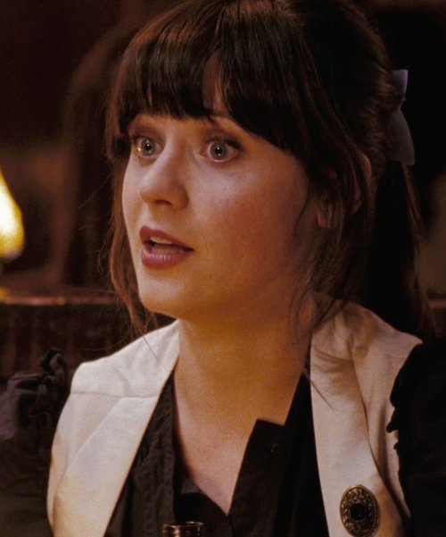 Zooey Deschanel with Missvictoriasvintage Brass Filigree Brooch in (500) Days of Summer