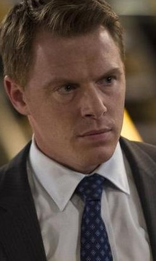 Diego Klattenhoff with Michael Kors Diamond Pattern Necktie in The Blacklist