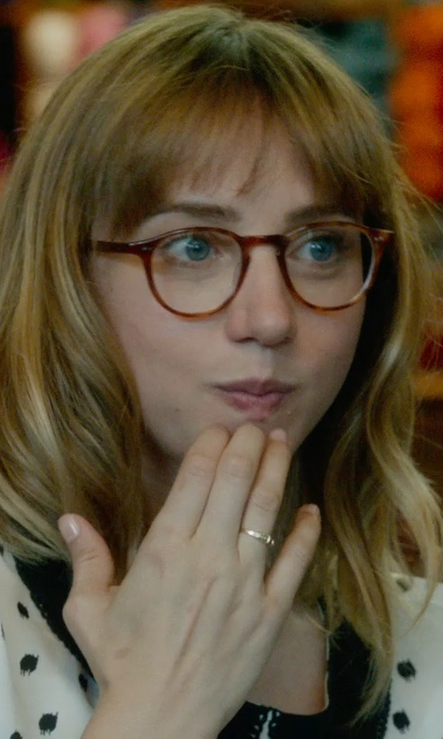 Zoe Kazan with Jennifer Meyer Diamond & Gold Hammered Ring in What If