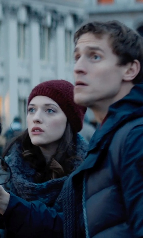 Kat Dennings with Michael Kors Thermal Popcorn Scarf in Thor: The Dark World