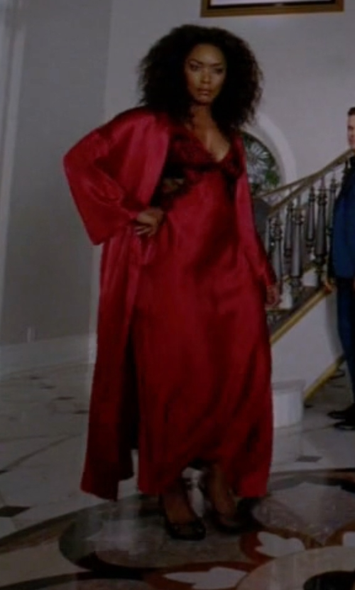 Angela Bassett with Linea Donatella Satin & Lace Nightgown in American Horror Story