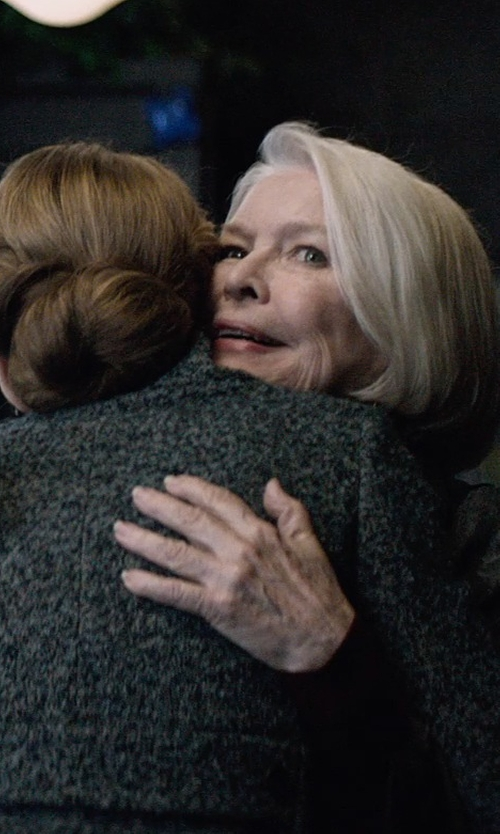 Ellen Burstyn with Bloomingdales Tahitian Pearl Ring in The Age of Adaline