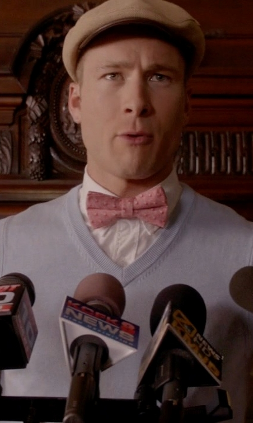 Glen Powell with Vineyard Vines Pelican Print Silk Bow Tie in Scream Queens