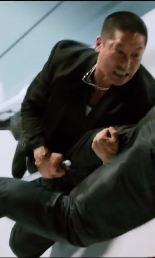 Unknown Actor with Amazon Curated Collection Men's Curb Chain Necklace in The Wolverine