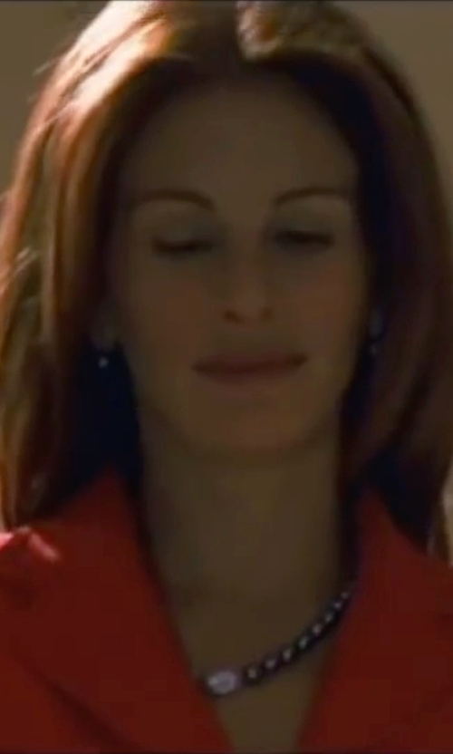 Julia Roberts with The Pearl Source Baroque Cultured Pearl Necklace in Ocean's Eleven