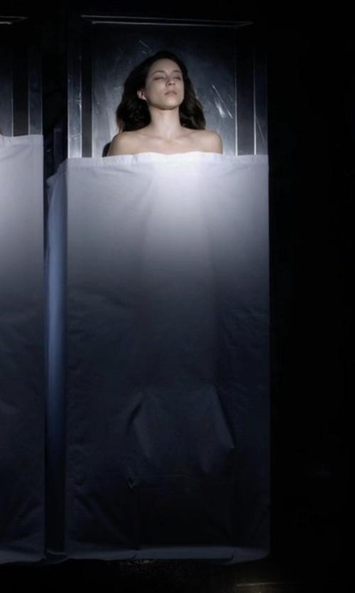 Troian Bellisario with Eddie Bauer Herringbone Blanket in Pretty Little Liars