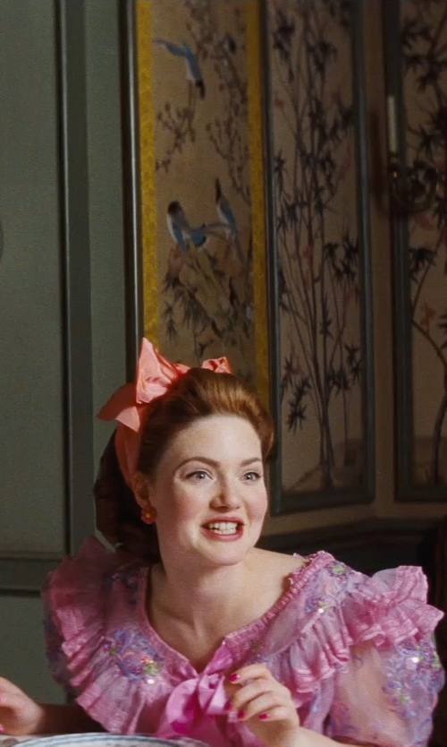 Holliday Grainger with Beatyshow Anyphone Twist Knot Headband in Cinderella