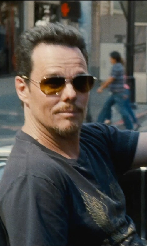 Kevin Dillon with Alexander Mcqueen Skull Print T-Shirt in Entourage