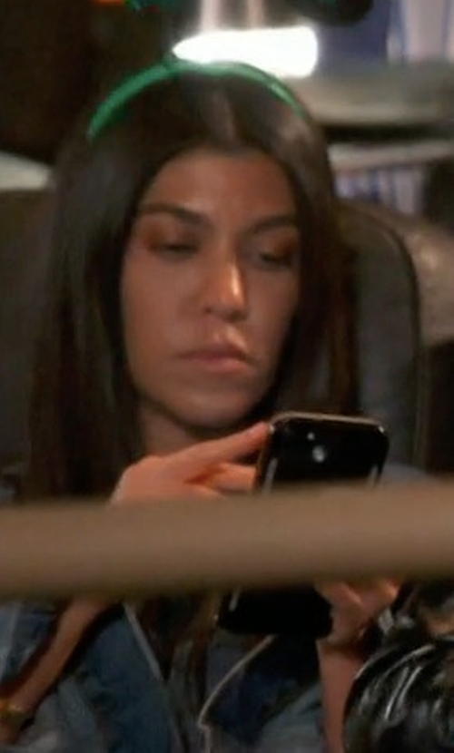 Kourtney Kardashian with LuMee Duo 7, 6s, 6 iPhone Case in Keeping Up With The Kardashians