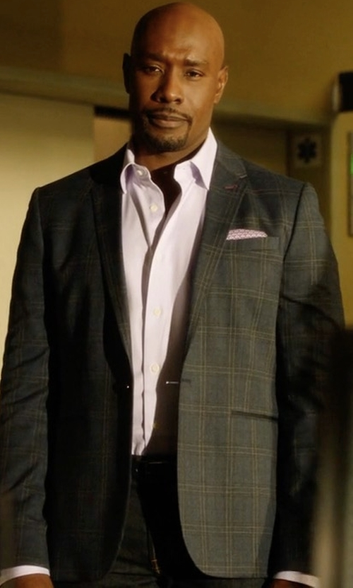 Morris Chestnut with Brunello Cucinelli Plaid Wool Suit in Rosewood