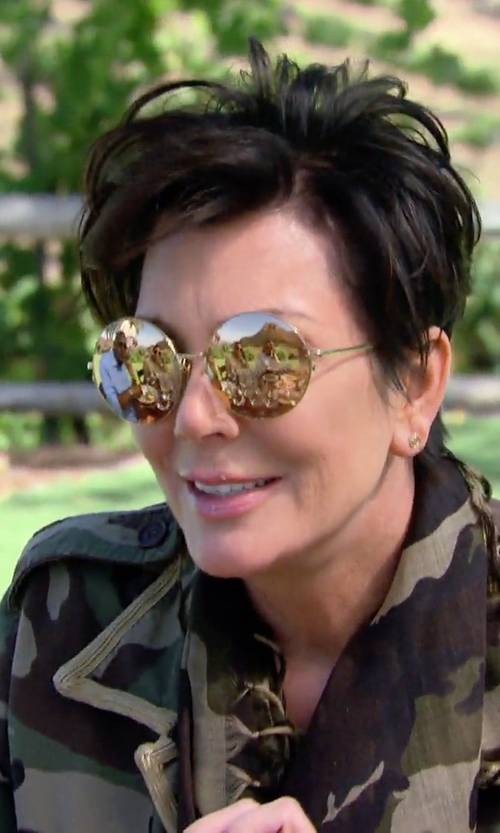 Kris Jenner with Linda Farrow Gold Round Metal Sunglasses in Keeping Up With The Kardashians