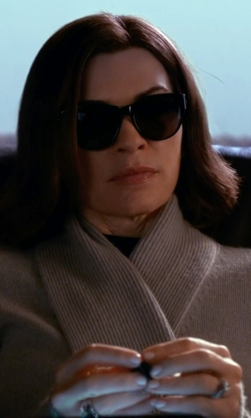 Julianna Margulies with Prada Wayfarer Sunglasses in The Good Wife