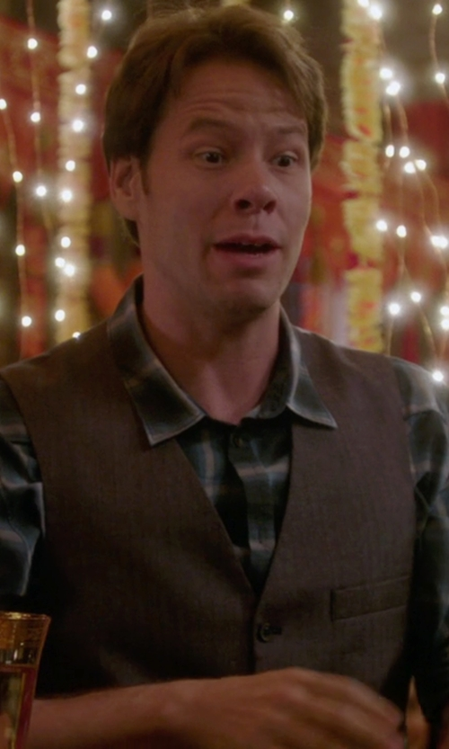 Ike Barinholtz with Pink Ryland Check Slim Fit Button Cuff Shirt in The Mindy Project
