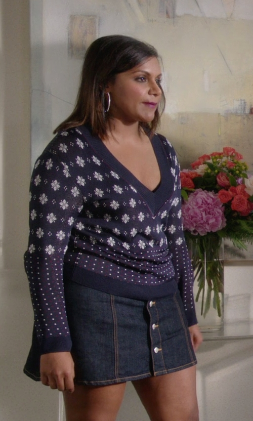 Mindy Kaling with Rag & Bone Abigale Pullover V-Neck Top in The Mindy Project