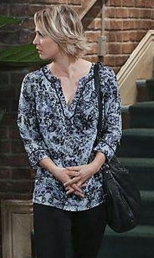 Kaley Cuoco-Sweeting with Ellen Tracy Dolman Sleeve Blouse in The Big Bang Theory