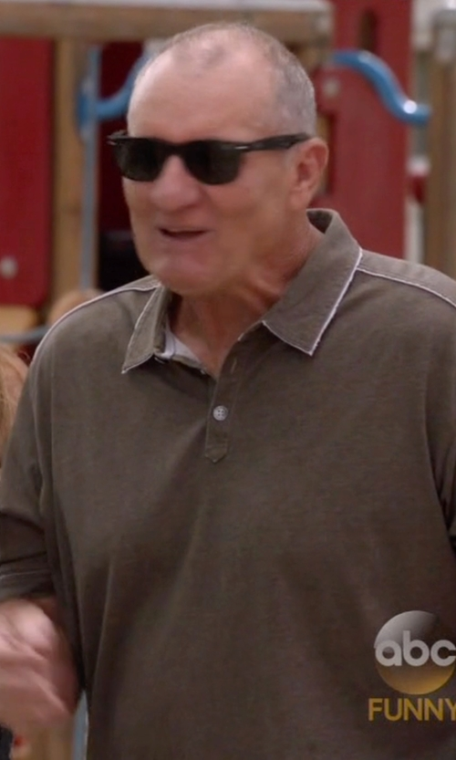 Ed O'Neill with Calvin Klein Rectangular Wayfarer Sunglasses in Modern Family
