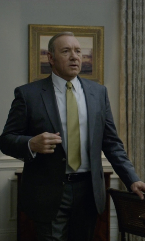 Kevin Spacey with Ralph Lauren Black Label Two-Piece Wool Suit in House of Cards
