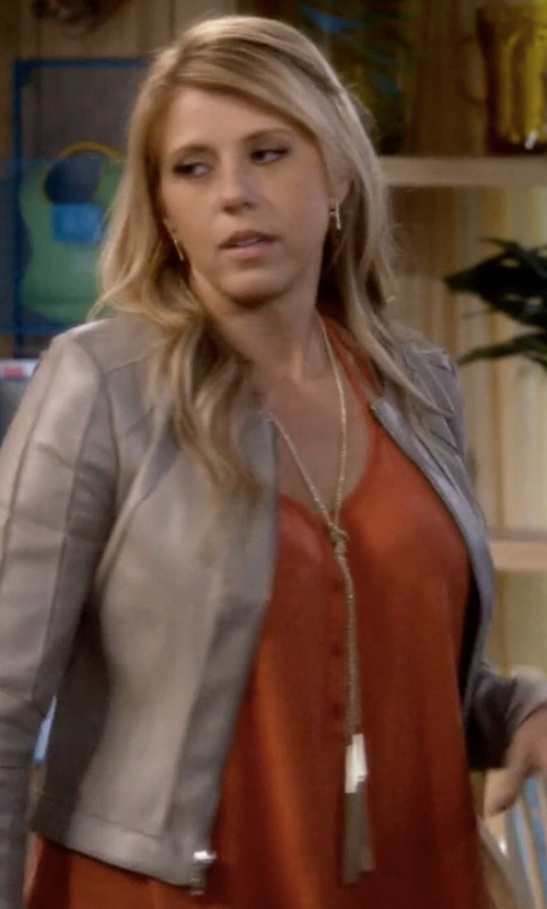 Jodie Sweetin with Parker Jamison Sleeveless Waist-Tie Top in Fuller House