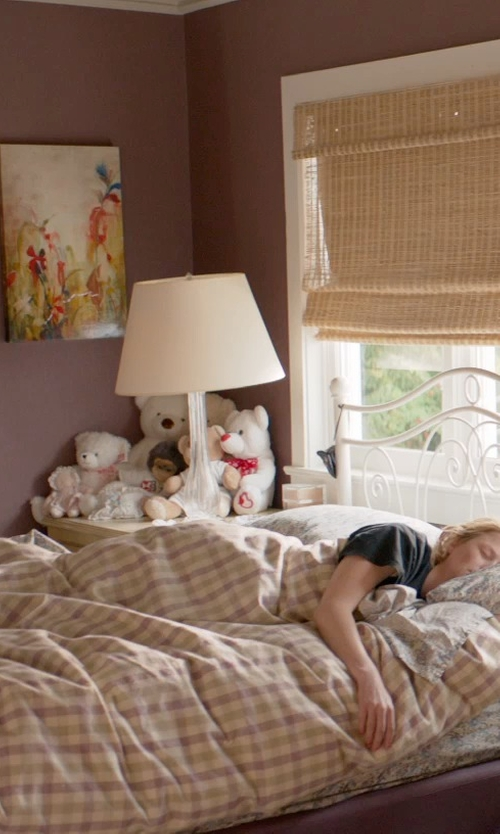 Mamie Gummer with PBTeen Hayden Plaid Flannel Duvet Cover in Ricki and the Flash