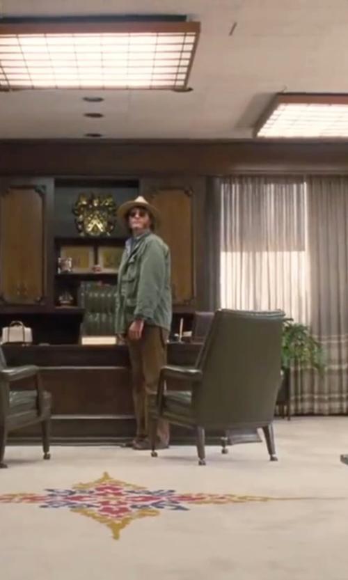 Joaquin Phoenix with Gravity Defyer Men's Hugh Sandals in Inherent Vice