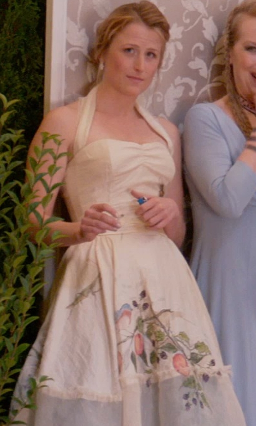 Mamie Gummer with Musical Holiday Bridesmaid Vintage Cream Retro Dress in Ricki and the Flash