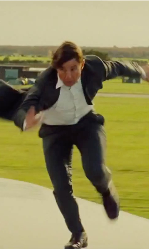 Tom Cruise with Santoni 'Stafford' Cap Toe Oxford Shoes in Mission: Impossible - Rogue Nation