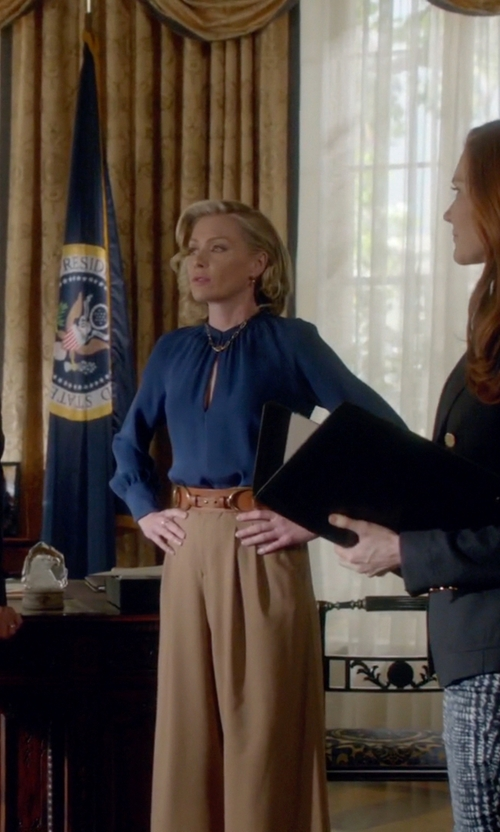 Portia de Rossi with Ralph Lauren Blue Horse Buckle Belt in Scandal