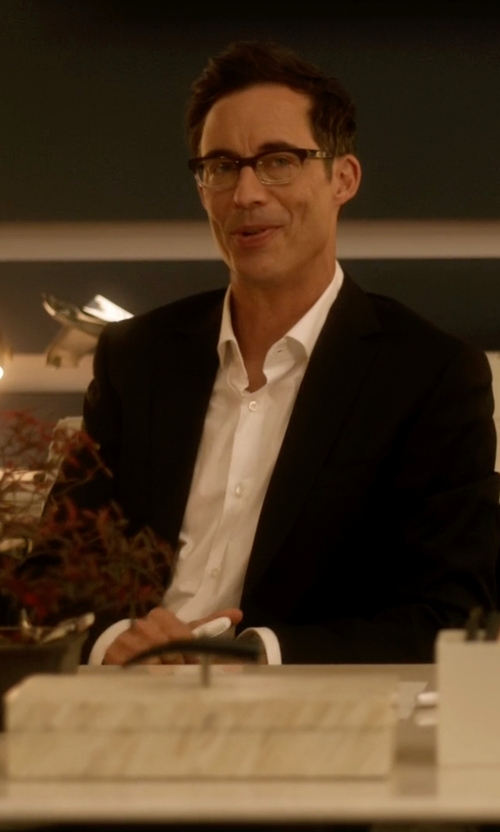 Tom Cavanagh with Pal Zileri Cerimonia Two Piece Suits in The Flash