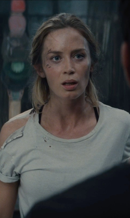 Emily Blunt with JAMES PERSE Sheer Slub Crew Neck Tee in Edge of Tomorrow