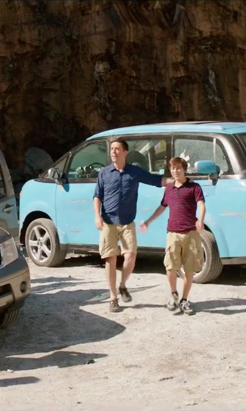 Ed Helms with Keen Men's Voyageur Hiking Shoes in Vacation