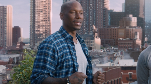 Tyrese Gibson with Michael Kors Sleek V-Neck Tee in The Fate of the Furious