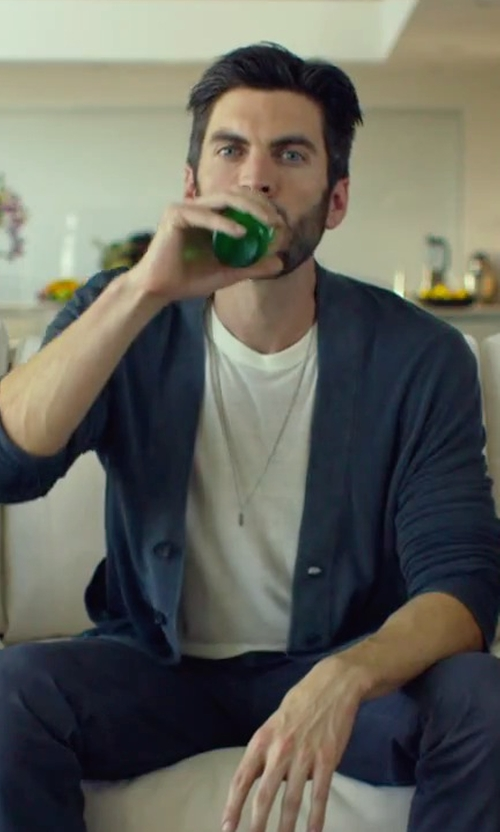 Wes Bentley with Manuel Bozzi Mic Necklace in We Are Your Friends