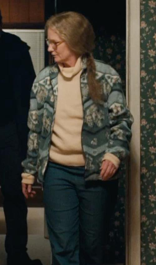 Melissa Leo with Woolrich Quehanna Cardigan Sweater in Prisoners