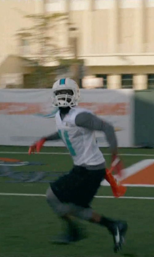 John David Washington with NFL Shop Miami Dolphins Mcarthur Sports Towel in Ballers