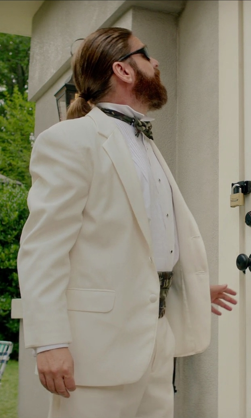 Zach Galifianakis with Moda Formal Wear Pretied Bow Tie in Masterminds