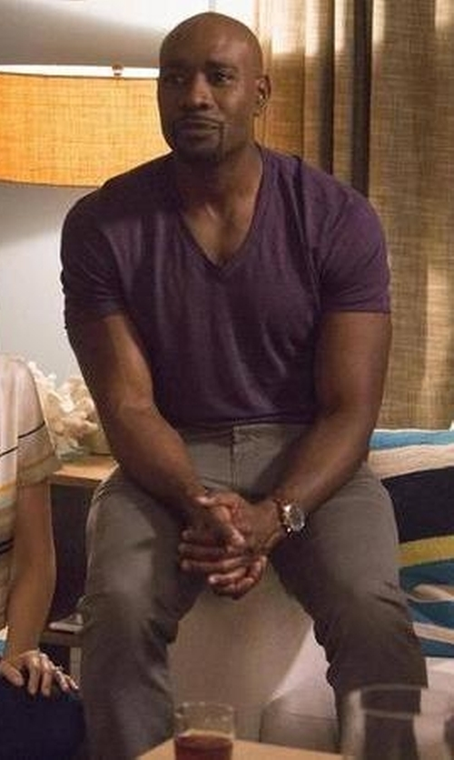 Morris Chestnut with Vince Short-Sleeve V-Neck T-Shirt in Rosewood