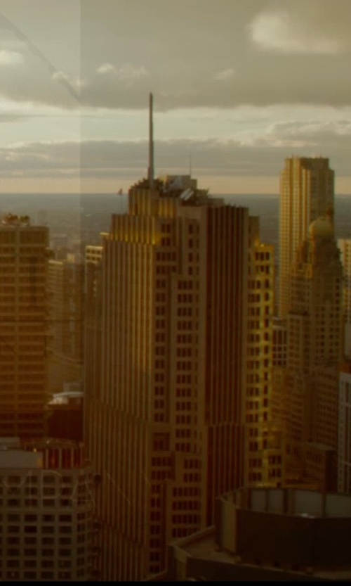 Unknown Actor with NBC Tower Chicago, Illinois in The Divergent Series: Insurgent