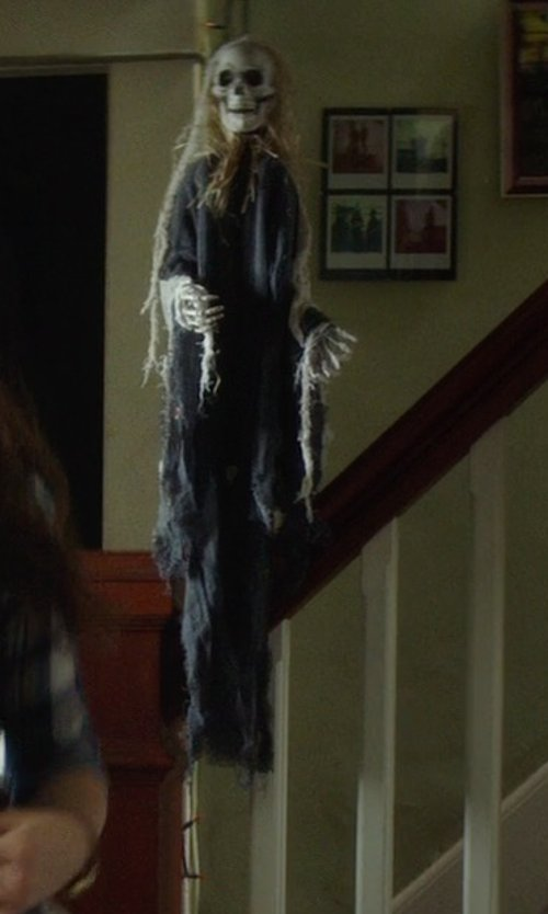 Chloë Grace Moretz with Fun World Costumes Skeleton Zombie Halloween Decoration in If I Stay