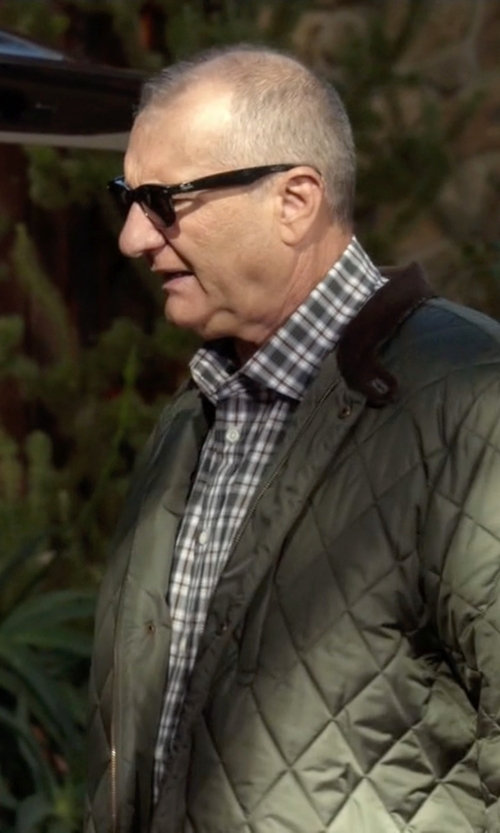 Ed O'Neill with Ray-Ban Original Wayfarer Sunglasses in Modern Family