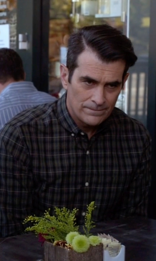 Ty Burrell with Mavi Jeans  Plaid Button Down Shirt in Modern Family