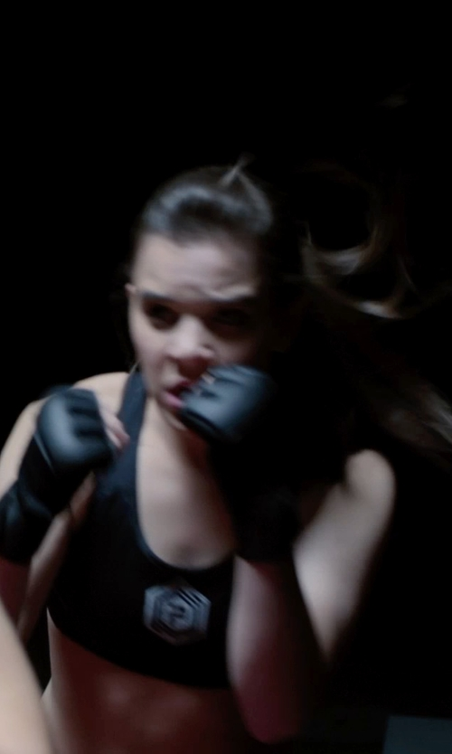 Hailee Steinfeld with Everlast Train Advanced Wristwrap Heavy Bag Gloves in Barely Lethal