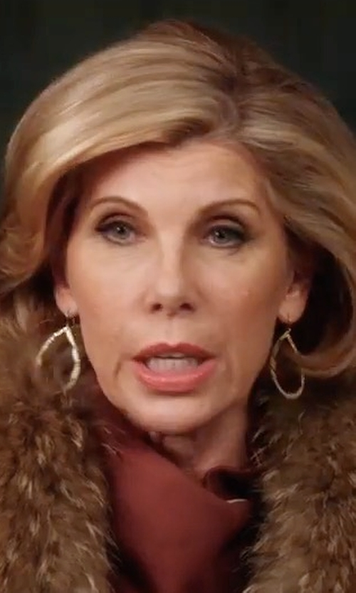 Christine Baranski with Lana Gold Flat Teardrop Earrings in A Bad Moms Christmas