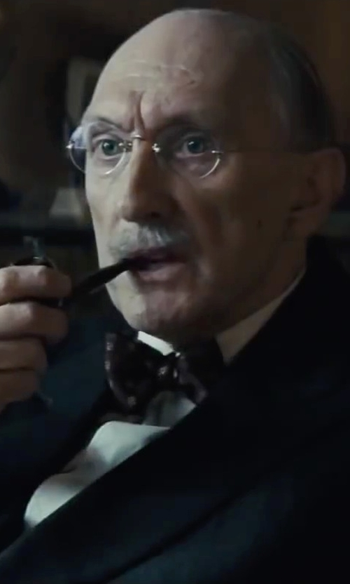 Peter McRobbie with Brebbia Straight Dublin Sandblasted Tobacco Smoking Pipe in Bridge of Spies