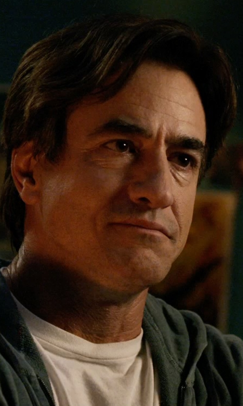 Dermot Mulroney with Fred Perry Crew Neck T-Shirt in Insidious: Chapter 3
