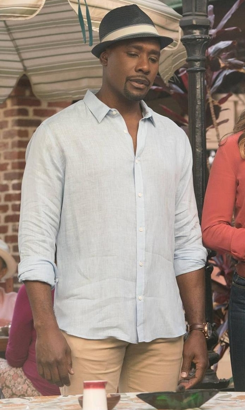 Morris Chestnut with Peter Millar Raleigh Washed Twill Pants in Rosewood