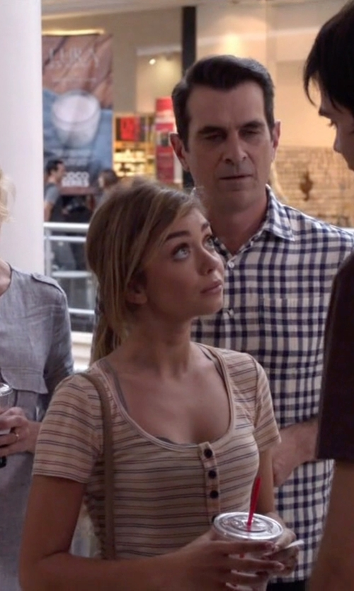 Sarah Hyland with Topshop Knit Henley Tee in Modern Family
