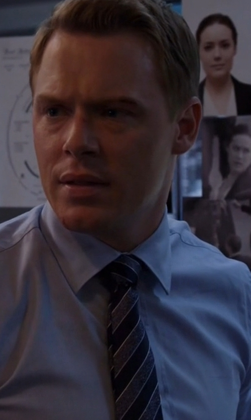 Diego Klattenhoff with Bigi Diagonal Striped Flannel Necktie in The Blacklist