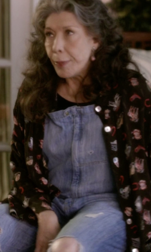 Lily Tomlin with Current/Elliott The Ranchhand Overalls in Grace and Frankie